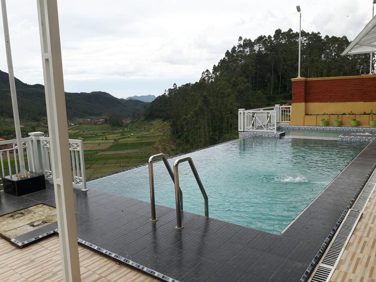 Fasilitas kolam renang di Sukarasa Endah Cottage   penginapanciwidey.com
